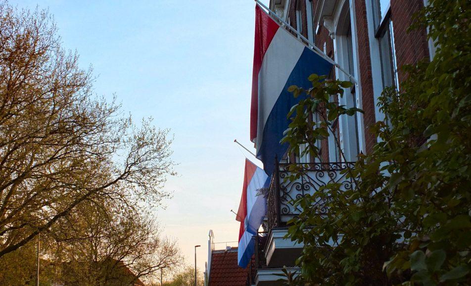 Vlaggen Halfstok © Gerard Stolk
